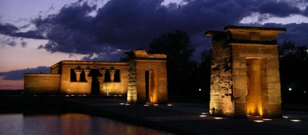 The Temple de Debod - Egyptian temple in Madrid, Spain. [Image Tempel/Wikimedia]