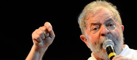 Lula é repreendido por delegado da PF (Foto: Fernando Frazão/Agência Brasil)