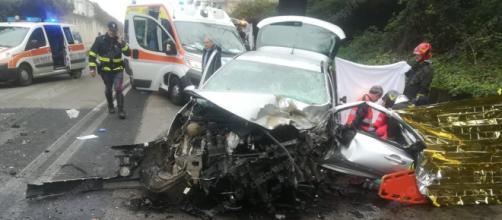 Calabria, grave incidente stradale: feriti due ragazzi