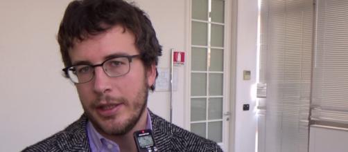 Diego Fusro critica primarie Pd e Fabio Fazio