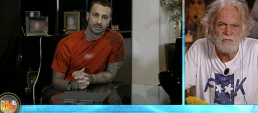 Fabrizio Corona ha inviato un video messaggio a Riccardo Fogli.