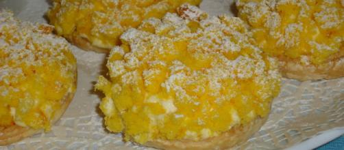 La ricetta dei soffici tartufini mimosa all'ananas e zenzero.