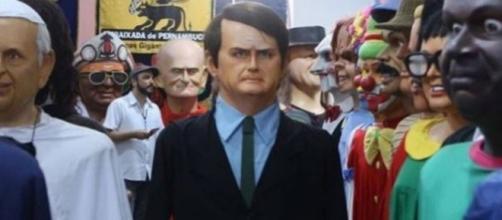 Boneco de Olinda do presidente Jair Bolsonaro (Imagem: Reprodução/Banco de Imagens BN)