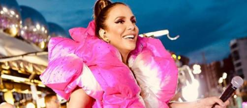 Cantora Ivete Sangalo ajudou ambulante e encantou o público. (Foto: Reprodução/Instagram)