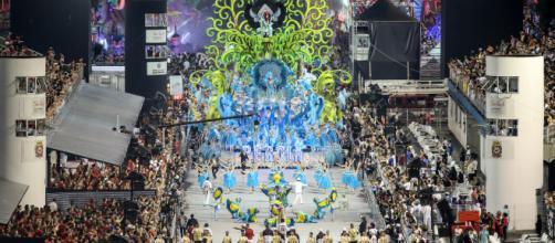 Cores e enredo chamaram a atenção dos jurados e daqueles que acompanharam os desfiles. (Foto: Reprodução/TV Globo)