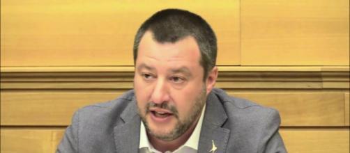 Il M5S critica le posizioni di Matteo Salvini sulla droga