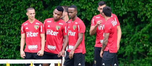 São Paulo vence o Bragantino e tenta afastar crise. (Foto: Divulgação/SPFC)