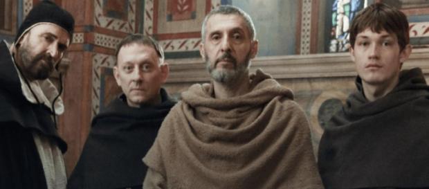 'Il nome della rosa', nella seconda puntata continua la ricerca della verità per Guglielmo