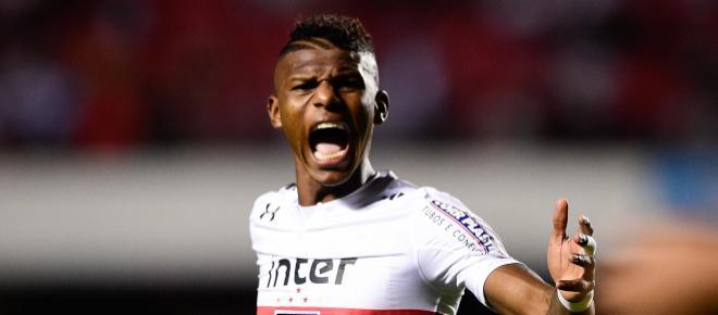 Arboleda agradece gritos da torcida e declara estar 'feliz para caramba' com gol
