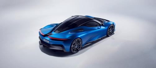 2019 Geneva Motor Show: Pininfarina Unveils Battista (Image via timesnownews/Screencap)