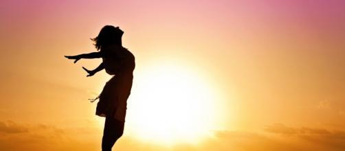 Dia 8 de Março, não importa como, mulher sua alma dança, canta e extravasa. (Foto: Reprodução/Pixabay)