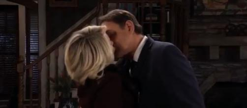 Ryan and Ava may perish in Niagara Falls in a shocking murder /suicide. [Image Source: GH Spoilers-YouTube]