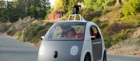 Google self driving cars are rolling down select roads. [Image source: Smoothgroove/Flickr]