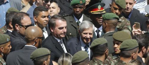 Bolsonaro participa de cerimônia de militares - (Foto: Fernando Frazão/Agência Brasil)