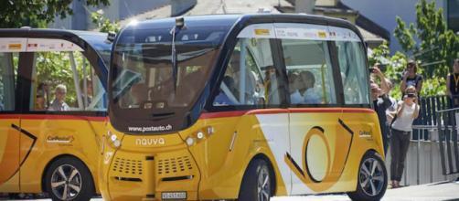 Ônibus sem motorista em testes na Suíça (Divulgação/CarPostal Suisse SA)