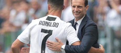Cristiano Ronaldo chiede ad Allegri delle modifiche di formazione.
