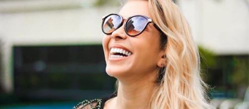 Cantora realizou procedimento na mesma clínica de Gretchen. (Foto: Reprodução Instagram)