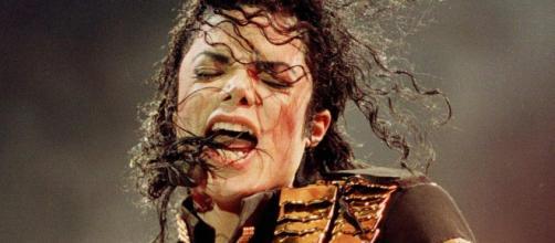 Michael Jackson pode ter corpo exumado. (Arquivo Blasting News)