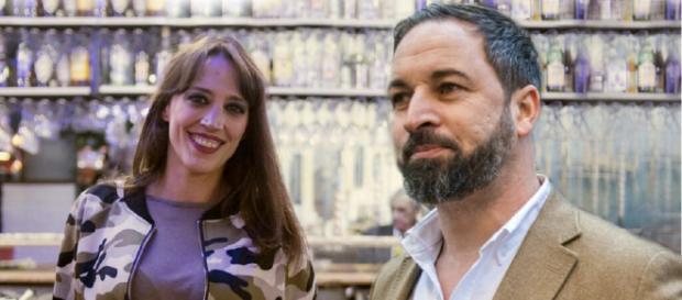 Montaje de Bea 'La Legionaria' y Santiago Abascal. / JALEOS