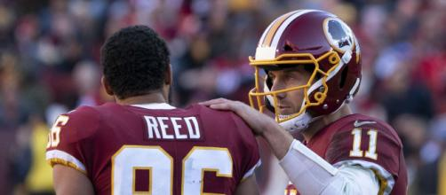 QB Alex Smith with TE Jordan Reed. [Photo Credit: Keith Allison, Flickr]