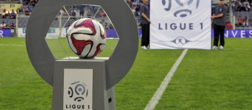7774512217_le-ballon-officiel-de-la-ligue-1-pour-la-saison-2014 ... - vl-media.fr