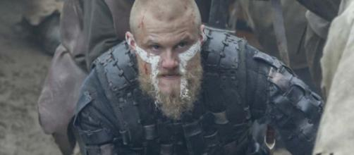 Alexander Ludwig, que interpreta Bjorn em 'Vikings'. (Reprodução/History Channel)