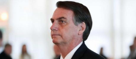Bolsonaro é acusado de dificultar informações publicas. (Arquivo Blasting News)
