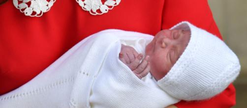 Inês Bordinhon faz trabalho voluntário com bebês. (Arquivo Blasting News)
