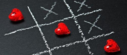Oroscopo di giovedì 11 aprile: le previsioni astrologiche su amore e lavoro da Ariete a Pesci