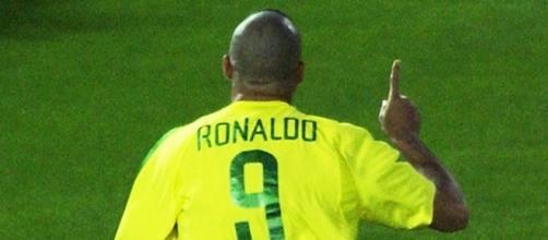 Ronaldo, um dos melhores jogadores que ja atuou na seleção brasileira. (Arquivo Blasting News)