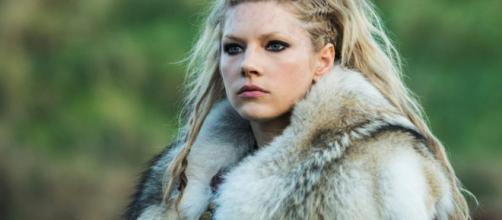 A atriz falou sobre a dificuldade da nova maquiagem durante as cenas. (Divulgação/History)