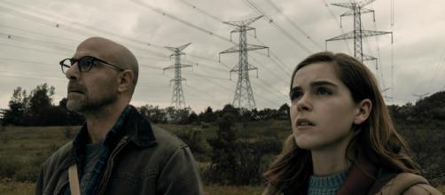 Cena do filme 'O Silêncio', com Stanley Tucci e Kiernan Shipka. (Divulgação/Netflix)