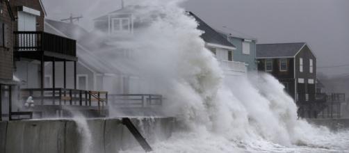 """""""Ciclón bomba"""" deja efectos devastadores en EEUU."""