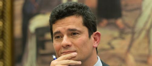 Sergio Moro defende seu projeto anticrime no Twitter. (Arquivo Blasting News)
