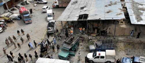 Al menos 20 muertos, tras atentado con bomba en Pakistán. - mvsnoticias.com