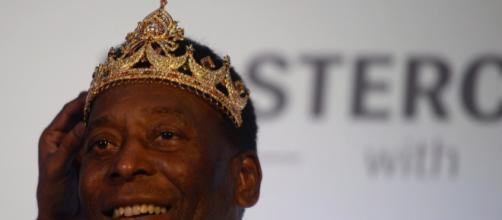 """Pelé é considerado o """"rei"""" do futebol. (Arquivo Blasting News)"""