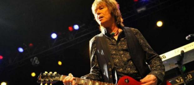 UFO: il chitarrista e tastierista Paul Raymond