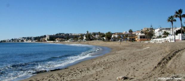 Beach view in La Cala de Mijas. [Image by Anne Sewell]