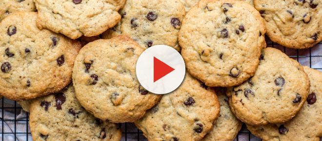 Cookies com gotas de chocolate super crocantes
