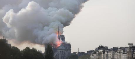 Notre-Dame, il procuratore: 'Soccorsi partiti al secondo allarme'