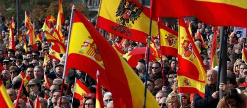"""Dos mil personas afines a Vox acuden a la manifestación """"contra la ... - publico.es"""