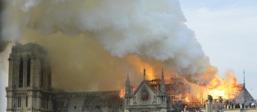 Notre Dame, cosa sappiamo dell'incendio alla cattedrale - Wired - wired.it