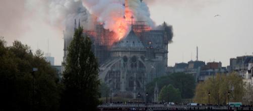 Un incendio devasta la catedral de Notre Dame. - rtve.es