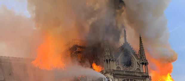 Incendio cattedrale Notre Dame