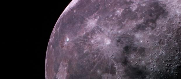 The moon's water: where did it come from – and where did it all go ... - (Image via horizon-magazine/Youtube)