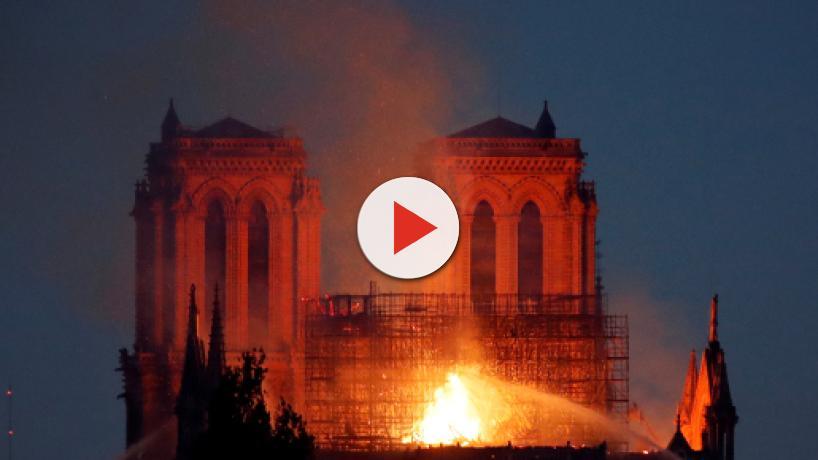 Los bomberos han logrado extinguir el fuego de Notre Dame