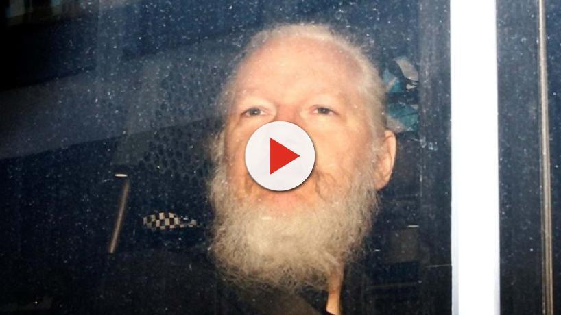 Wikileaks hace públicos algunos ficheros de su base de datos tras la detención de Assange