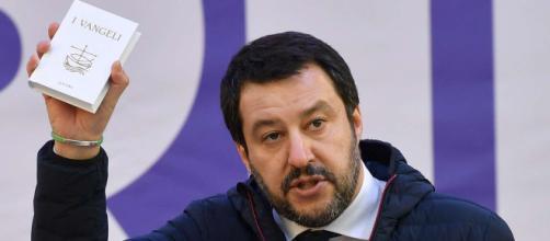 """I vertici militari si schierano contro Salvini sulla questione migranti: """"Roba da regime"""""""