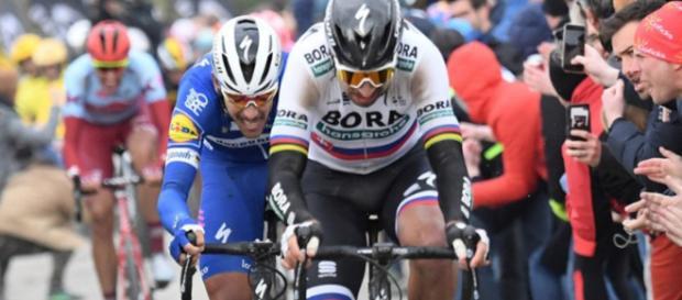 Peter Sagan seguito da Gilbert alla Parigi-Roubaix