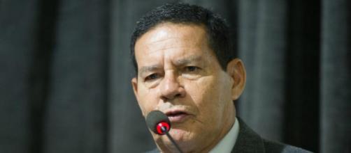 Marco Feliciano protocola pedido de impeachment contra Mourão. (Arquivo Blasting News)